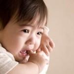突発性発疹はいつまで続く?症状の特徴は?効果的な水分補給方法は?